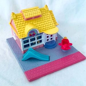 Vintage 1993 Polly Pocket Toy Shop - House only